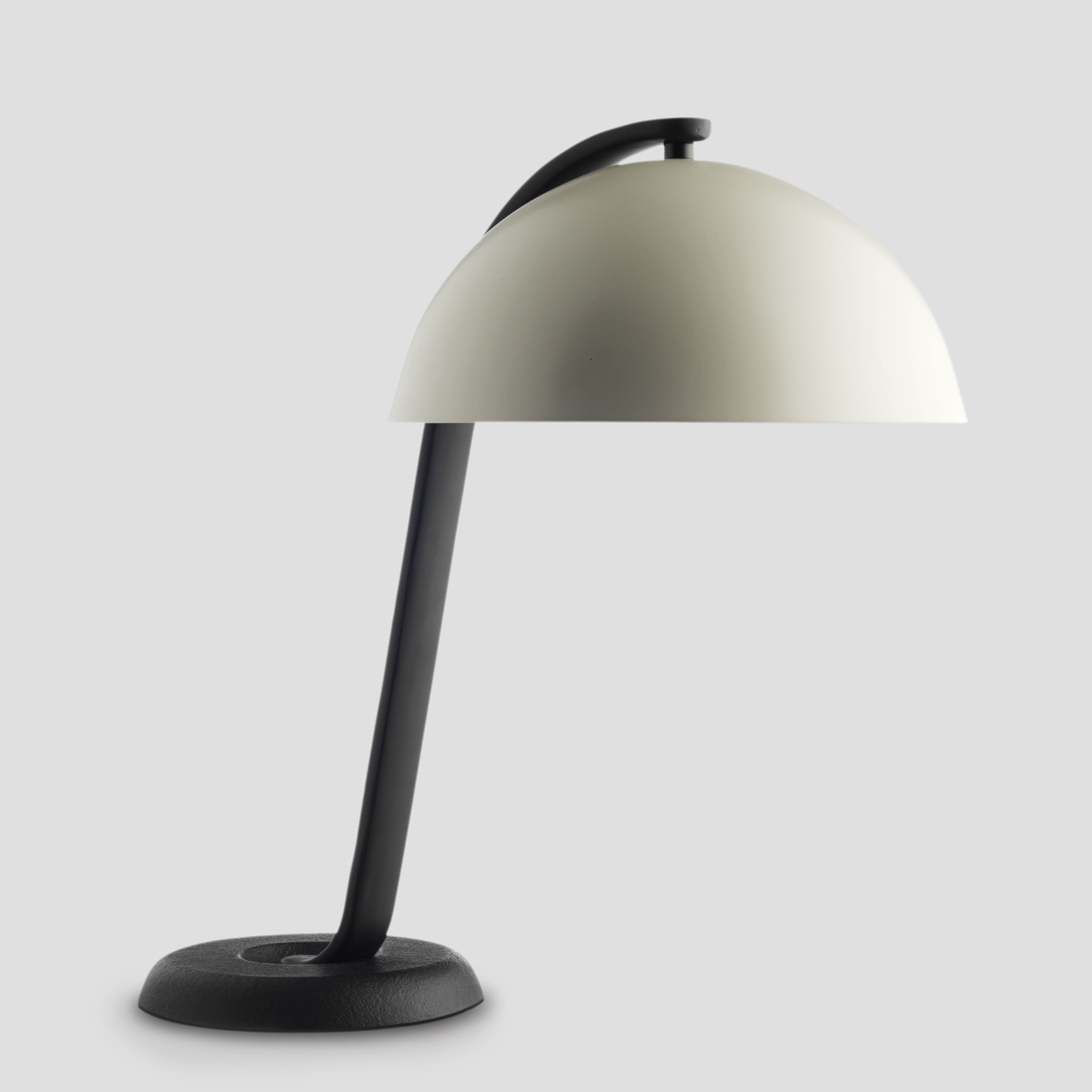Lampe de table cloche blanc for Lampe de bureau london
