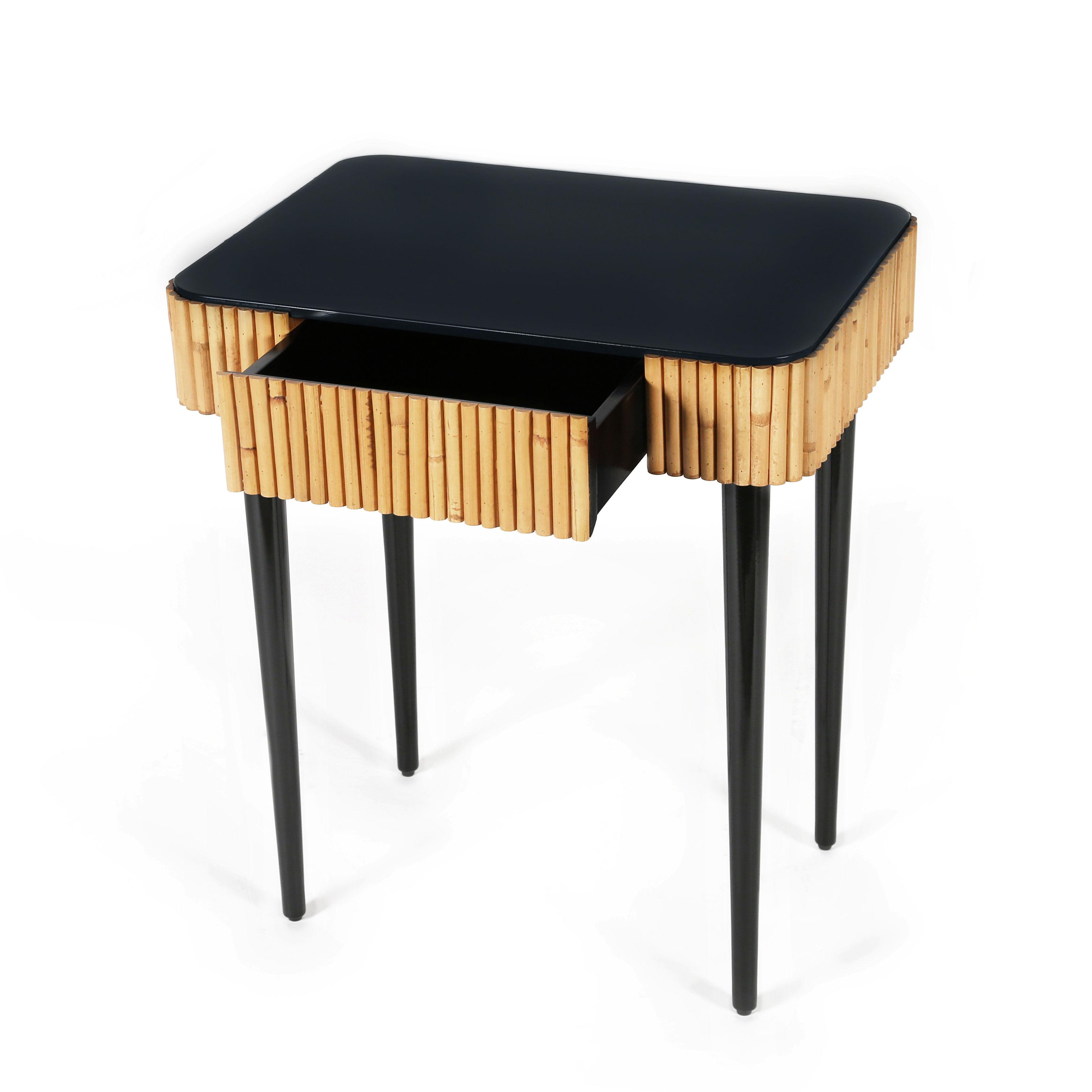 table d 39 appoint riviera rotin tiroir noir rotin naturel maison sarah lavoine. Black Bedroom Furniture Sets. Home Design Ideas