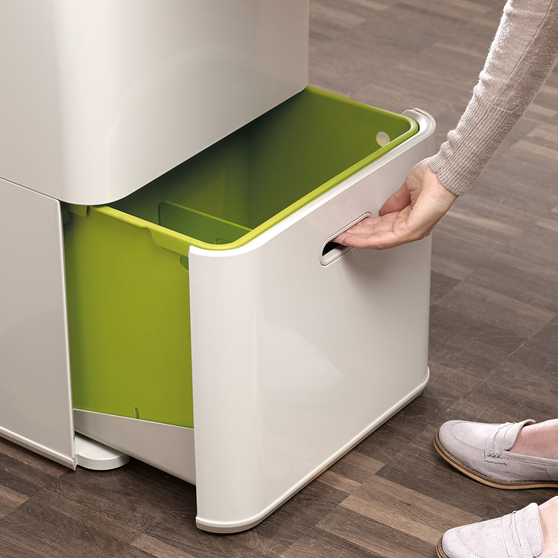 poubelle de tri totem 60 litres 4 bacs amovibles anthracite joseph joseph. Black Bedroom Furniture Sets. Home Design Ideas
