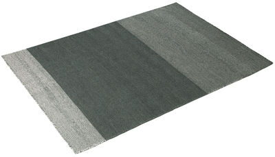 tapis varjo 200 x 300 cm gris vert fonc muuto. Black Bedroom Furniture Sets. Home Design Ideas