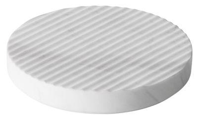 Dessous de plat Groove / Small Ø 16 cm - Marbre - Muuto blanc en pierre