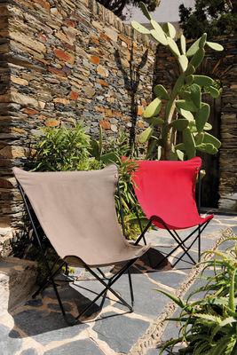 fauteuil maxi pop up pliable rouge garance structure noire lafuma. Black Bedroom Furniture Sets. Home Design Ideas
