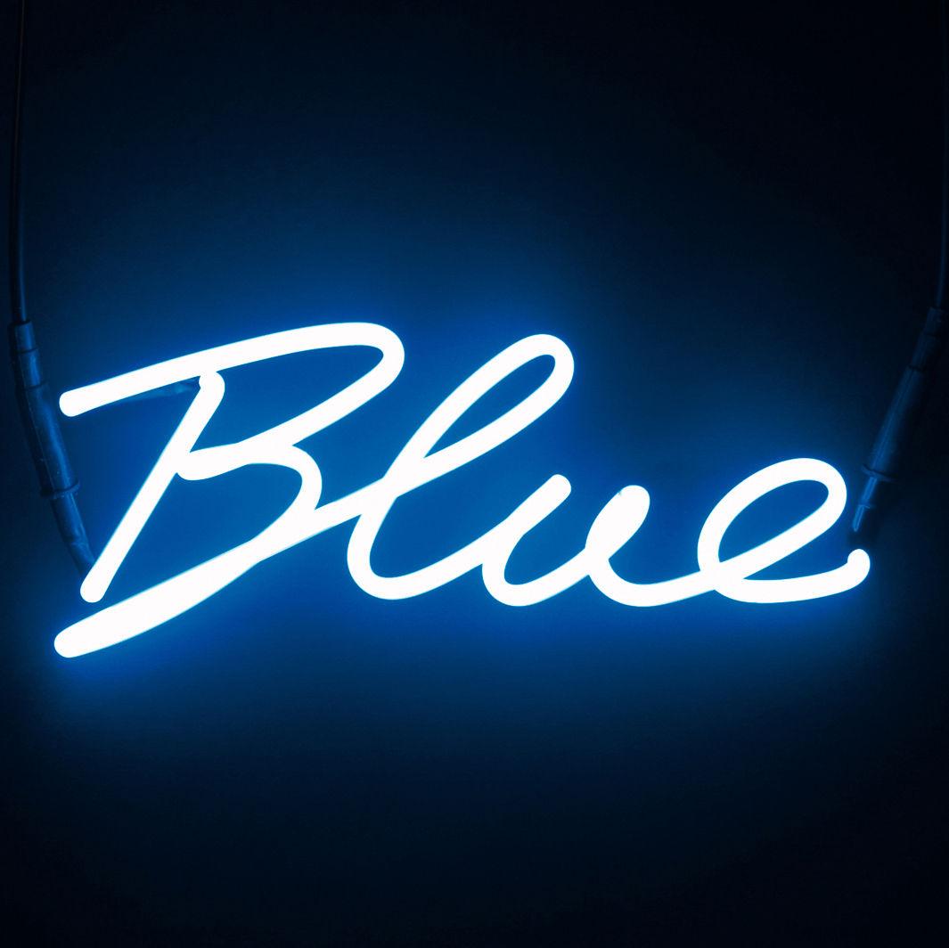 scopri applique con presa neon shades blue blu di seletti. Black Bedroom Furniture Sets. Home Design Ideas