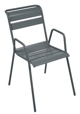 Monceau Stapelbarer Sessel / Metall - Fermob - Gewittergrau