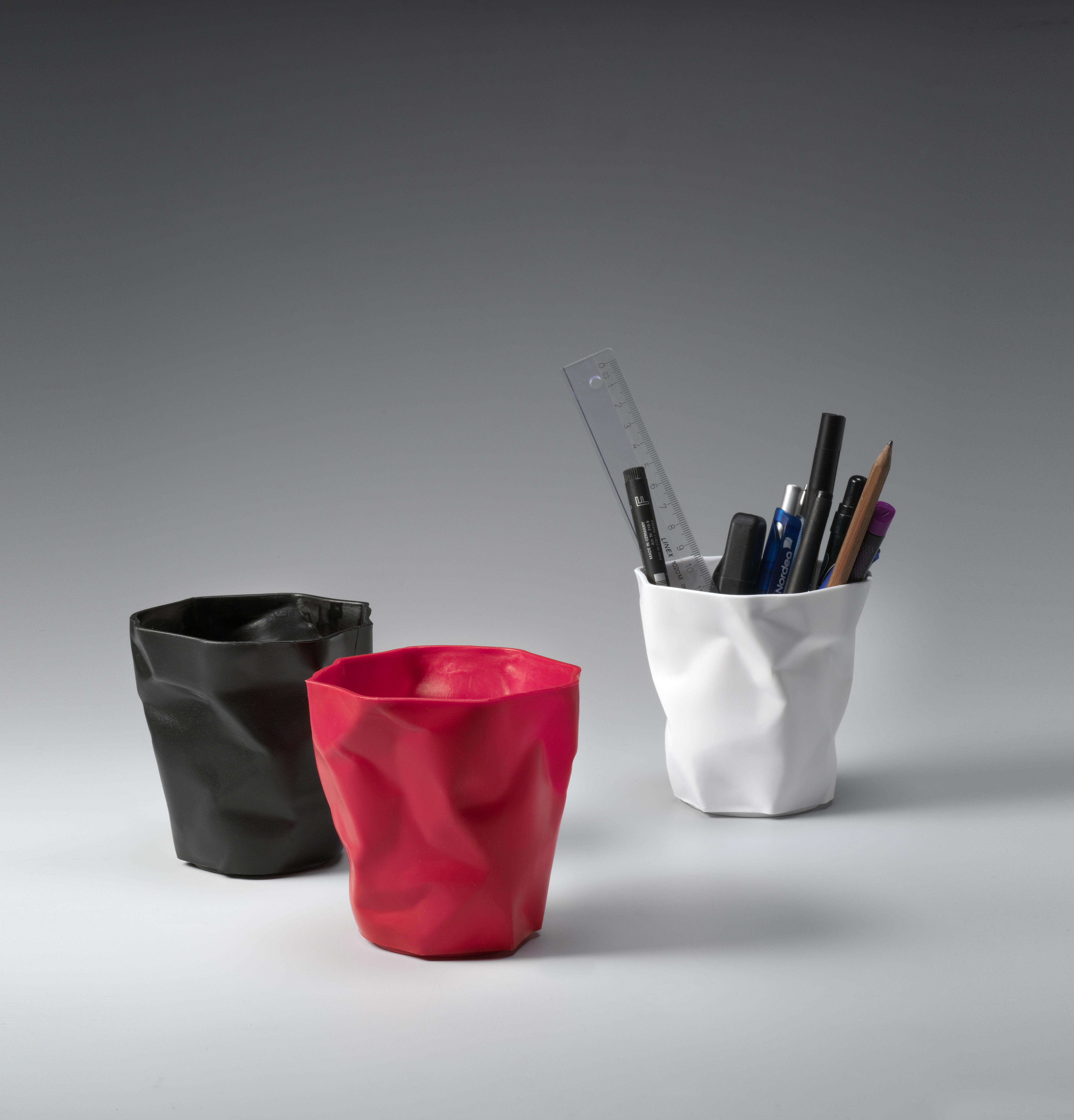 pot crayons pen pen rouge essey made in design. Black Bedroom Furniture Sets. Home Design Ideas