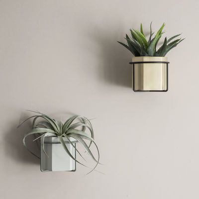 support mural plant pour pot de fleurs gris ferm living. Black Bedroom Furniture Sets. Home Design Ideas