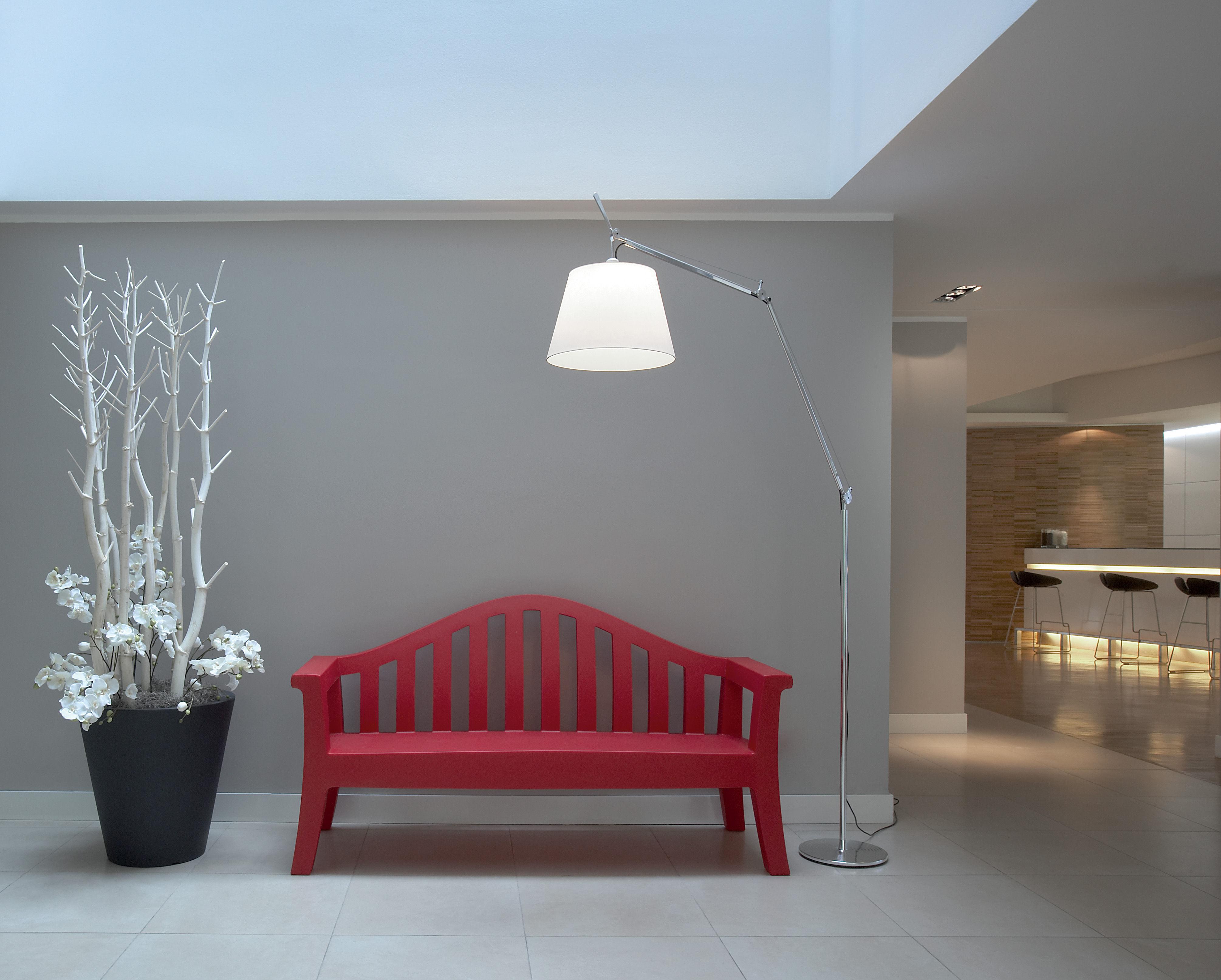 Tolomeo mega floor lamp h 148 to 327 cm diffuser 36 cm for Mega floor