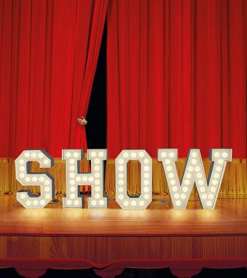 Foto Lampada da pavimento Vegaz - /Alfabeto luminoso Lettera W - H 60 cm di Seletti - Bianco - Metallo
