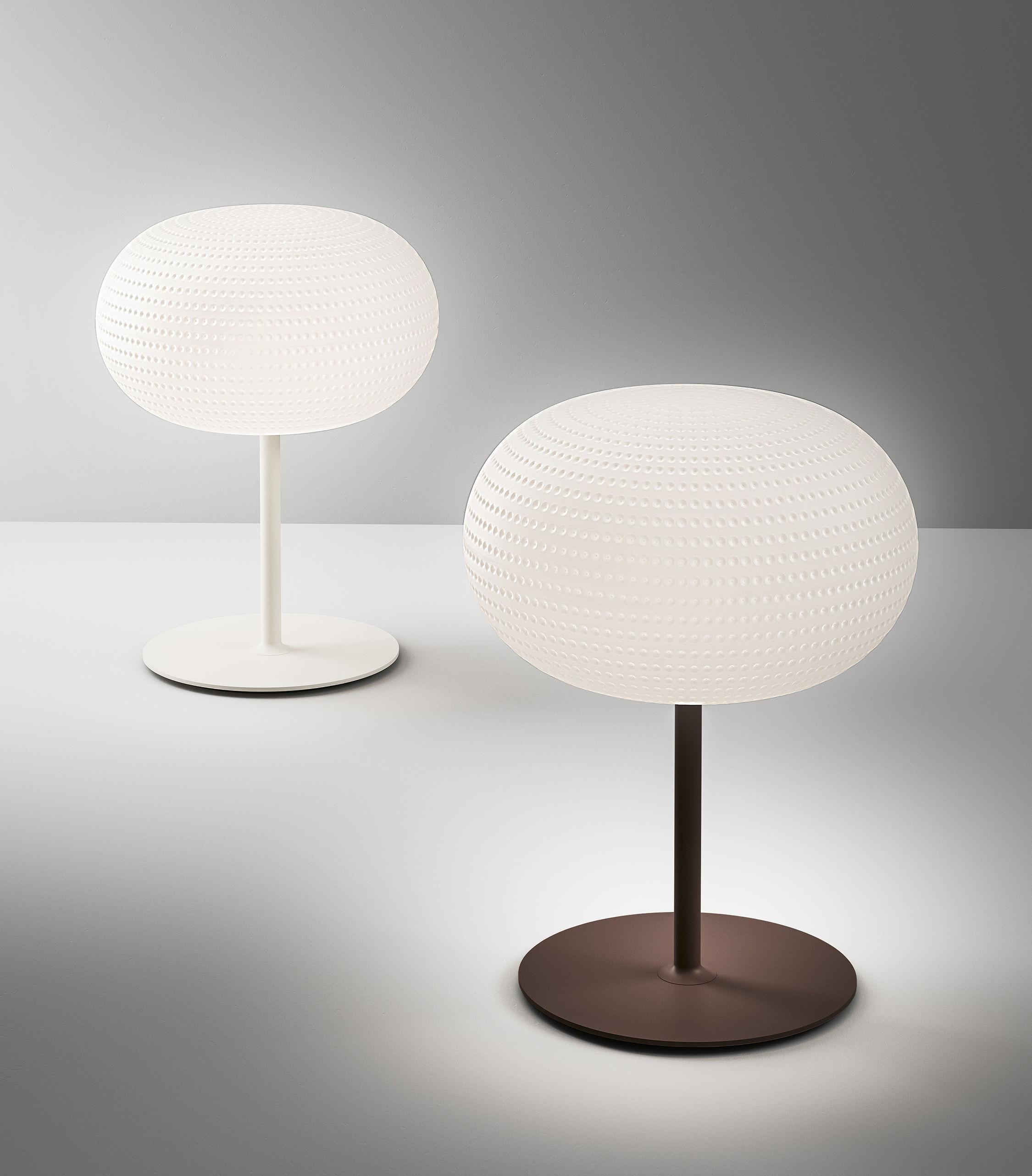 lampe de table bianca led avec pied verre blanc pied. Black Bedroom Furniture Sets. Home Design Ideas