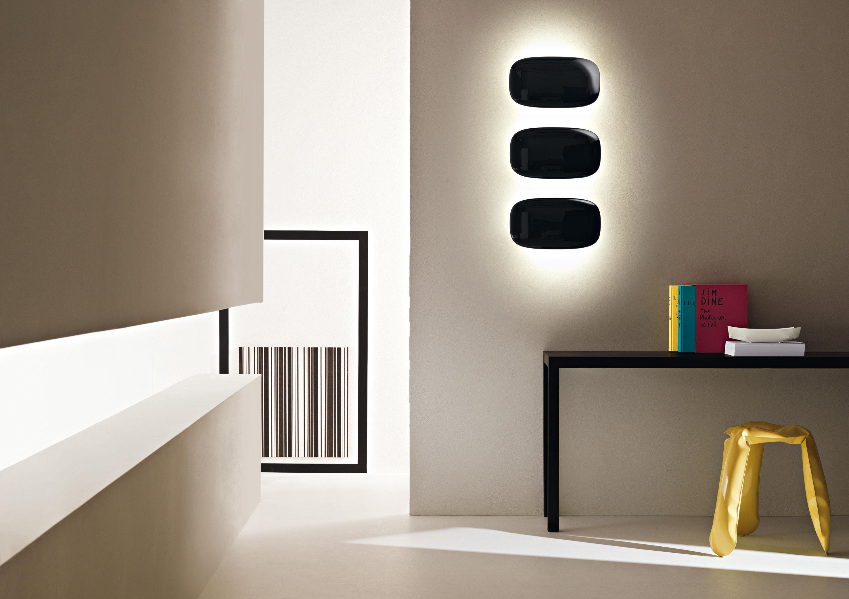 applique tivu l 17 x h 13 cm blanc foscarini. Black Bedroom Furniture Sets. Home Design Ideas