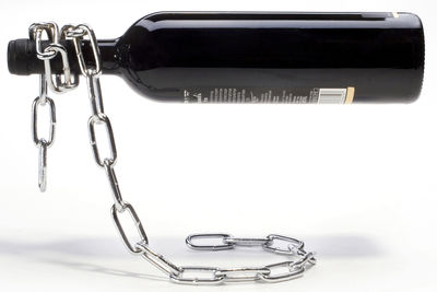 Kitchenware - Fun in the kitchen - Chaîne Bottle holder by Pa Design - Metal - Nickel-plate iron