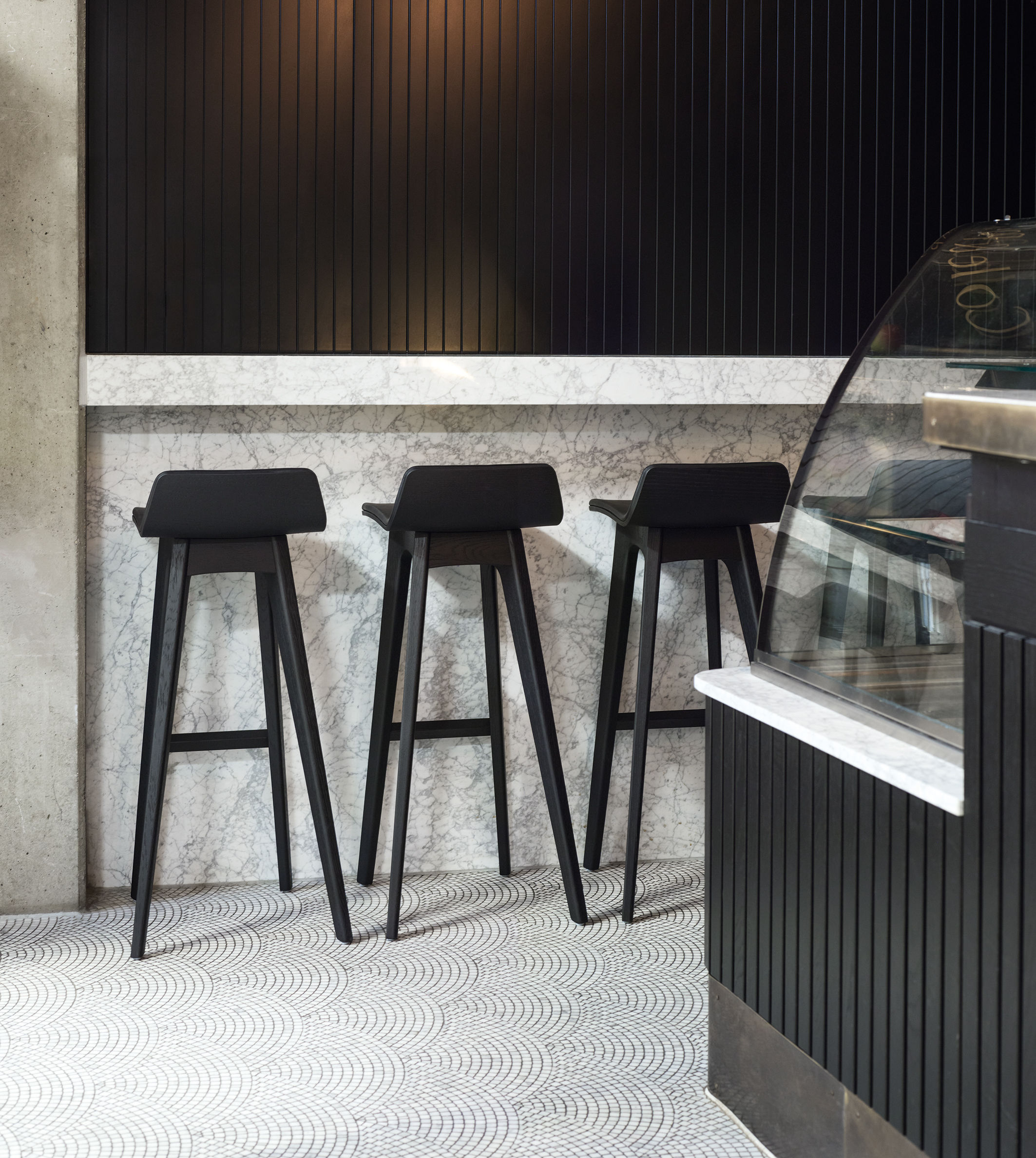 tabouret de bar morph bois h 80 cm ch ne naturel zeitraum made in design. Black Bedroom Furniture Sets. Home Design Ideas
