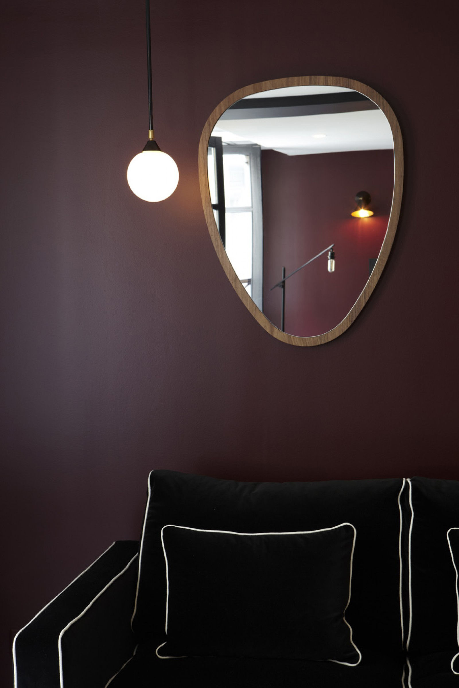 Ovo wall mirror medium 57 x 75 cm walnut by maison for Miroir collable