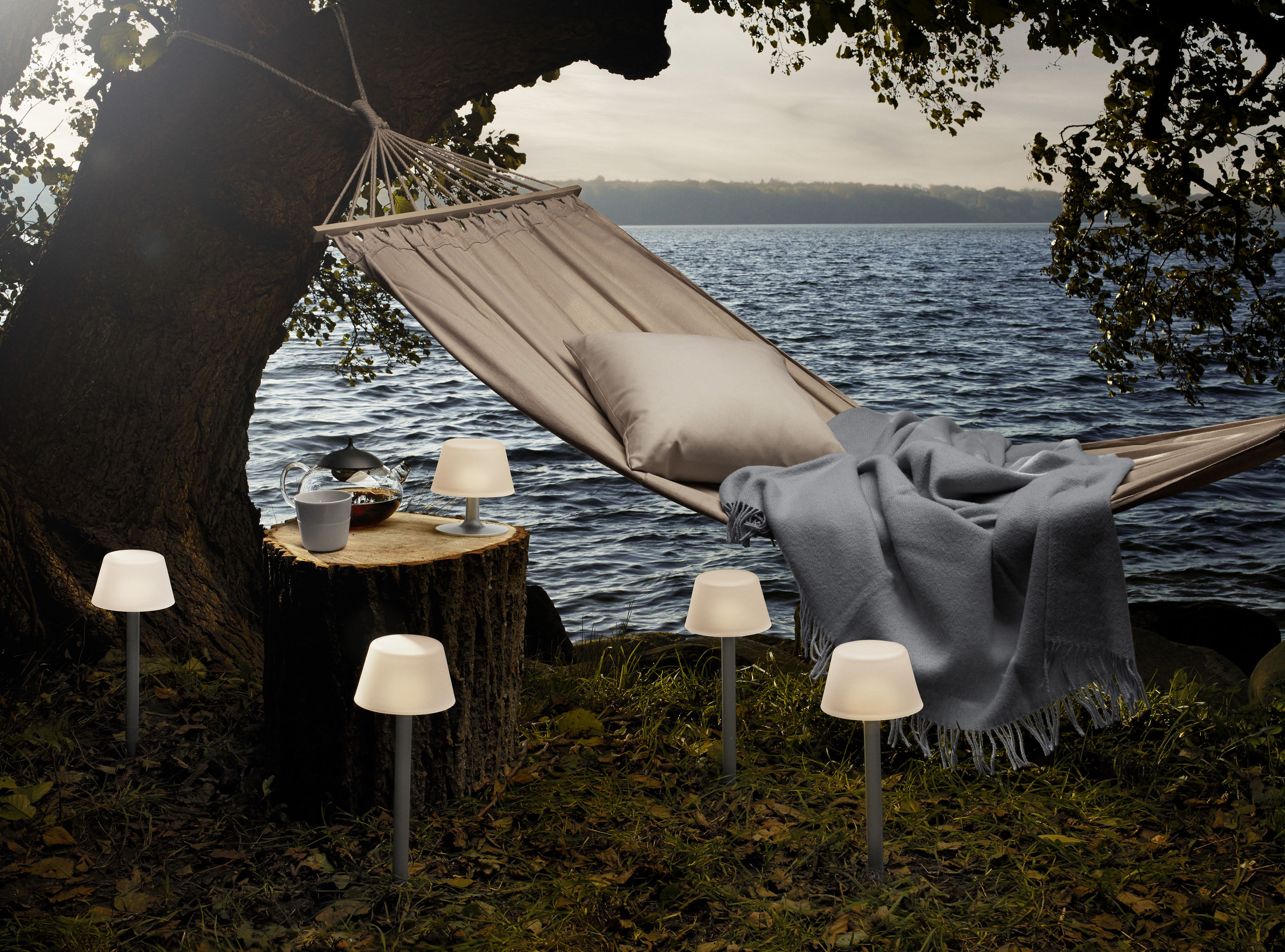 sunlight solarbetrieb kabellos eva solo tischleuchte. Black Bedroom Furniture Sets. Home Design Ideas