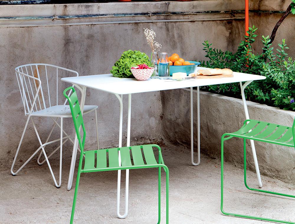 table surprising 120 x 78 cm blanc coton fermob. Black Bedroom Furniture Sets. Home Design Ideas