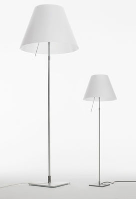 costanza floor lamp white by luceplan. Black Bedroom Furniture Sets. Home Design Ideas