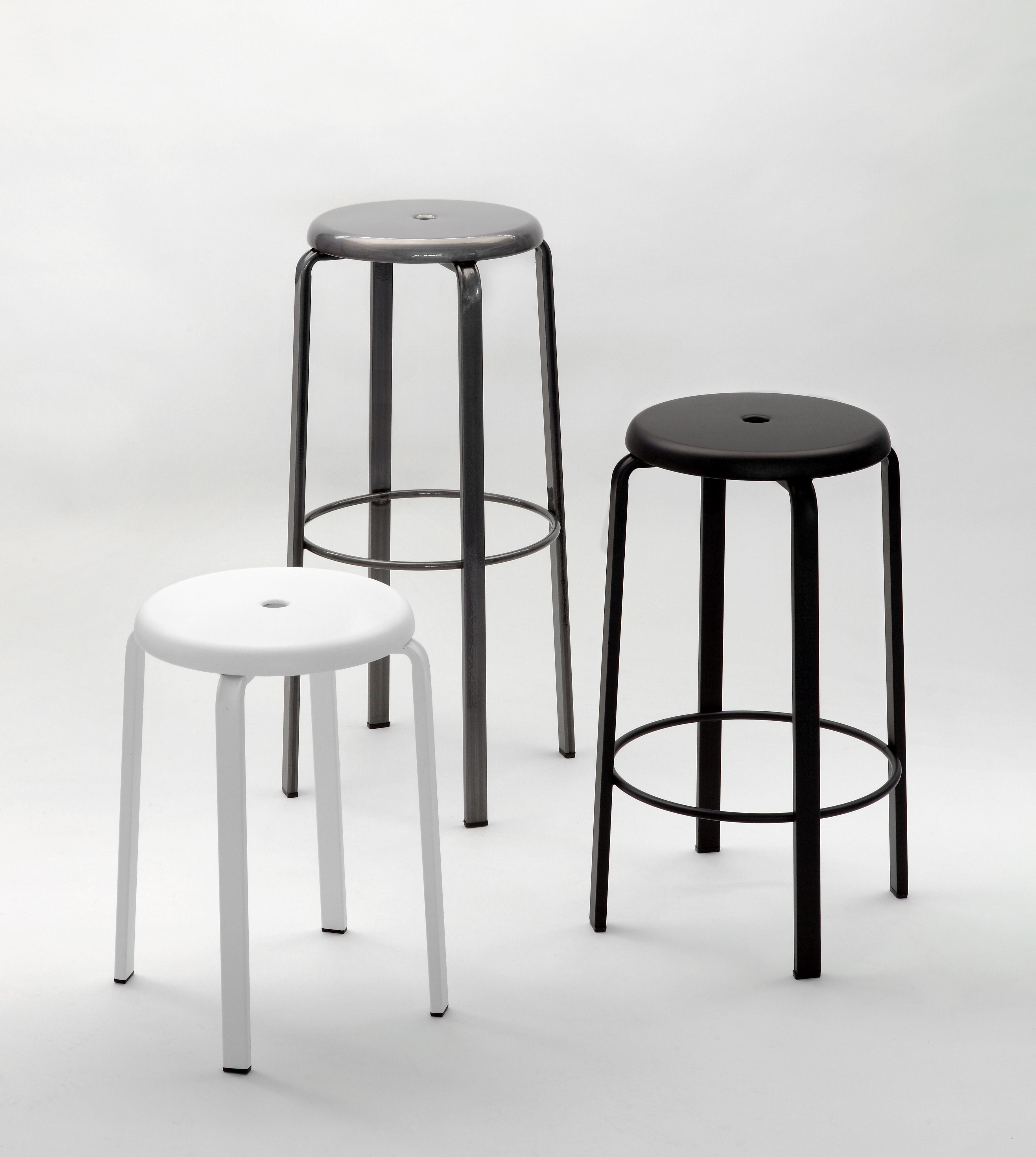 tabouret de bar demian h 65 cm m tal noir zeus. Black Bedroom Furniture Sets. Home Design Ideas