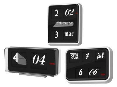Font Clock Wall clock Black / white