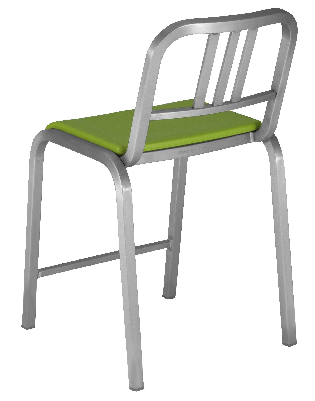 chaise de bar nine o assise rembourr e h 60 cm aluminium mat vert emeco. Black Bedroom Furniture Sets. Home Design Ideas