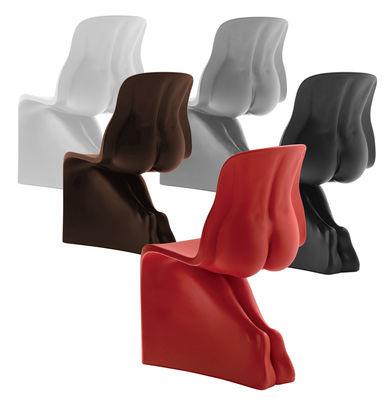 chaise her plastique noir casamania. Black Bedroom Furniture Sets. Home Design Ideas