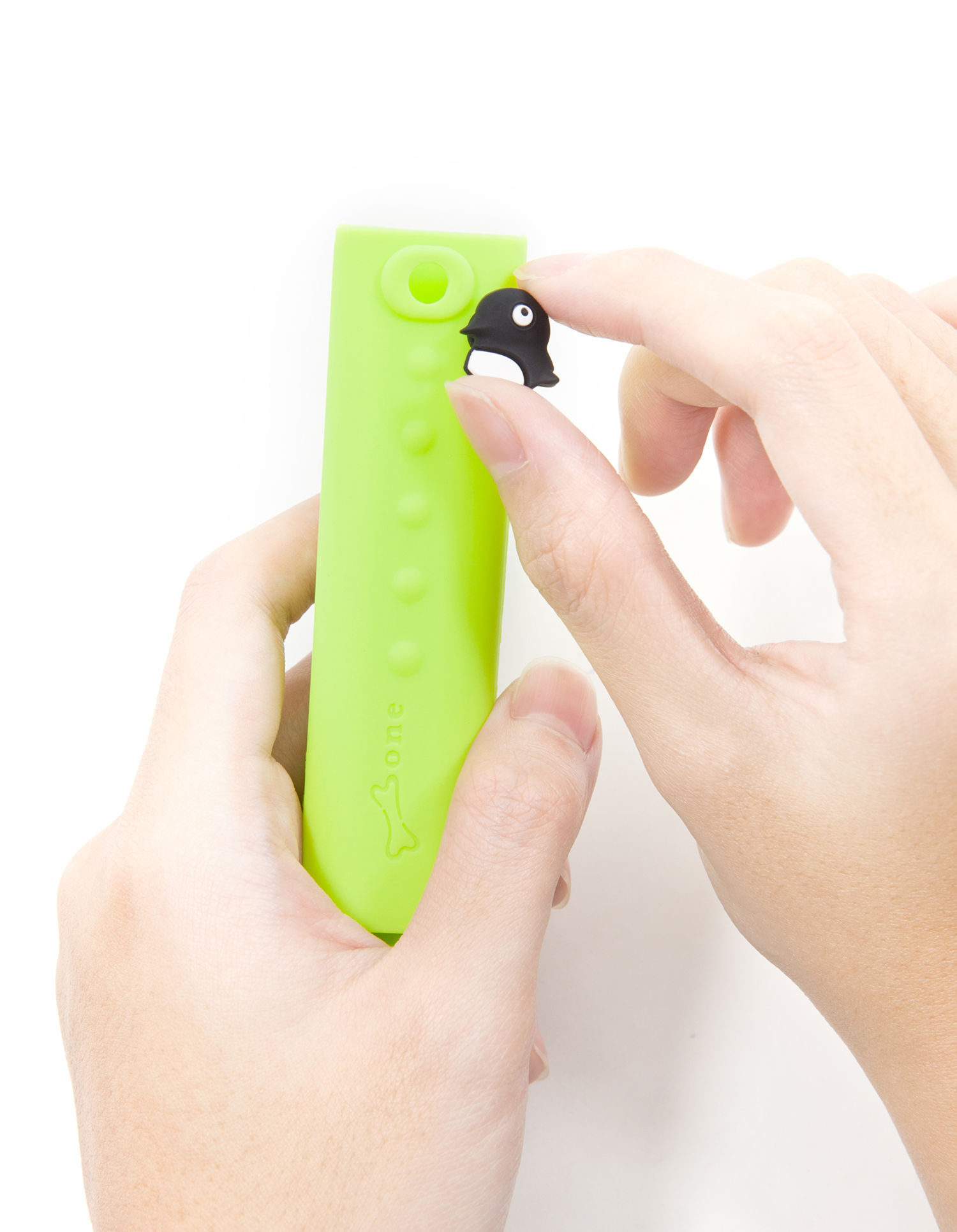 speaker for iphone penguin power mobile charger for smartphones etc green 13011