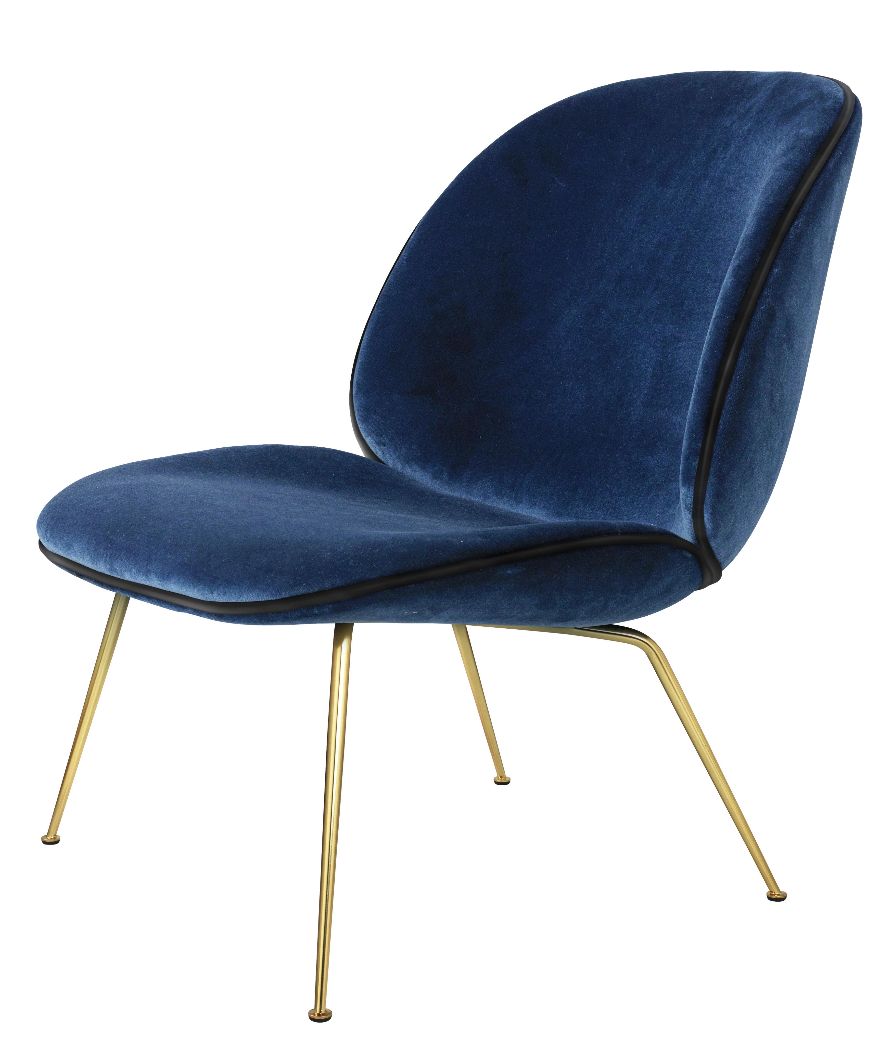 fauteuil bas beetle gamfratesi velours bleu pieds laiton gubi. Black Bedroom Furniture Sets. Home Design Ideas