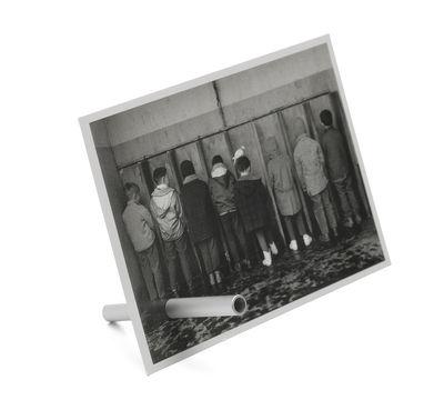 Image of Portafoto Magnificent - / Tubo calamitato di Pa Design - Argento - Metallo
