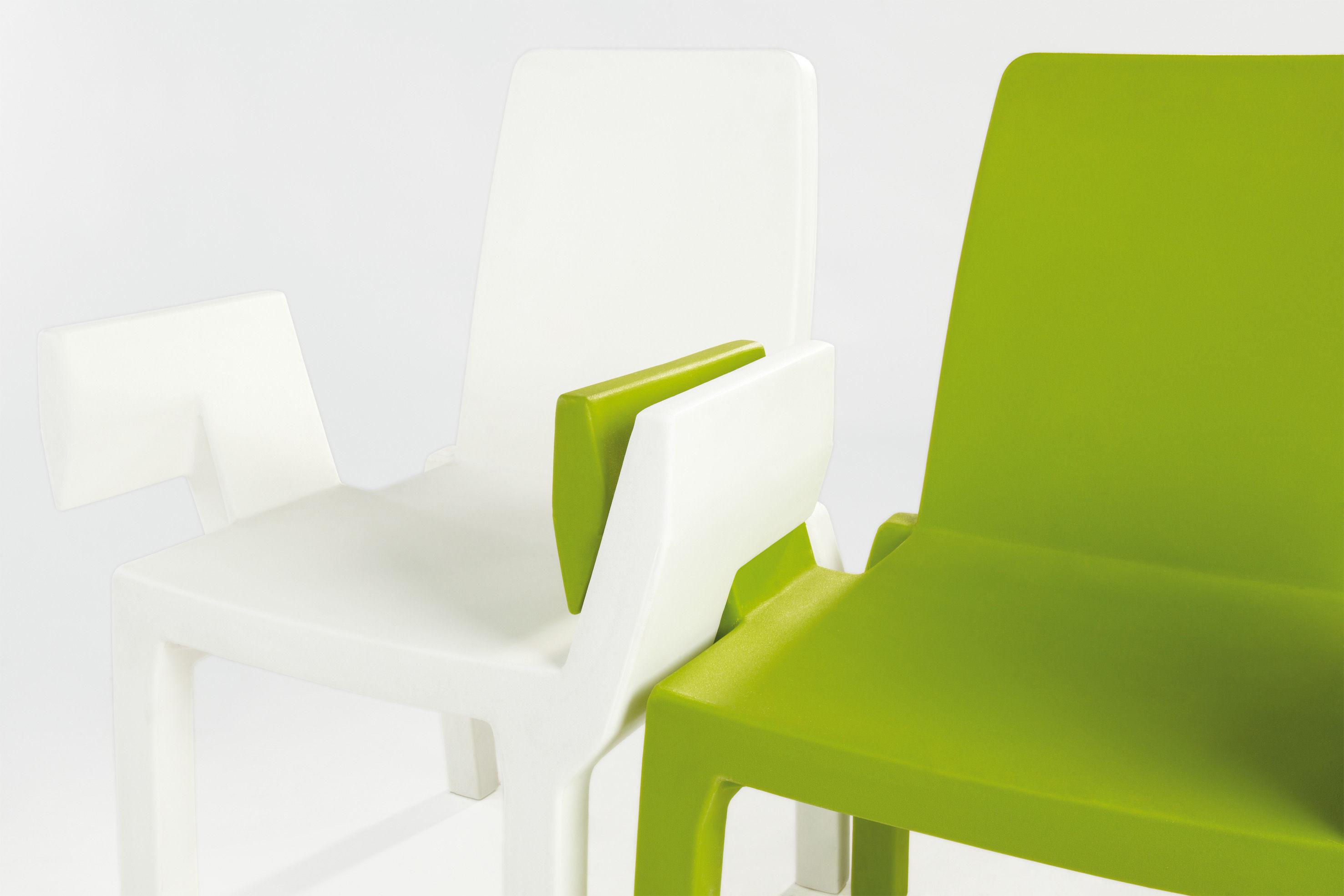 fauteuil empilable doublix plastique laqu laqu blanc slide. Black Bedroom Furniture Sets. Home Design Ideas