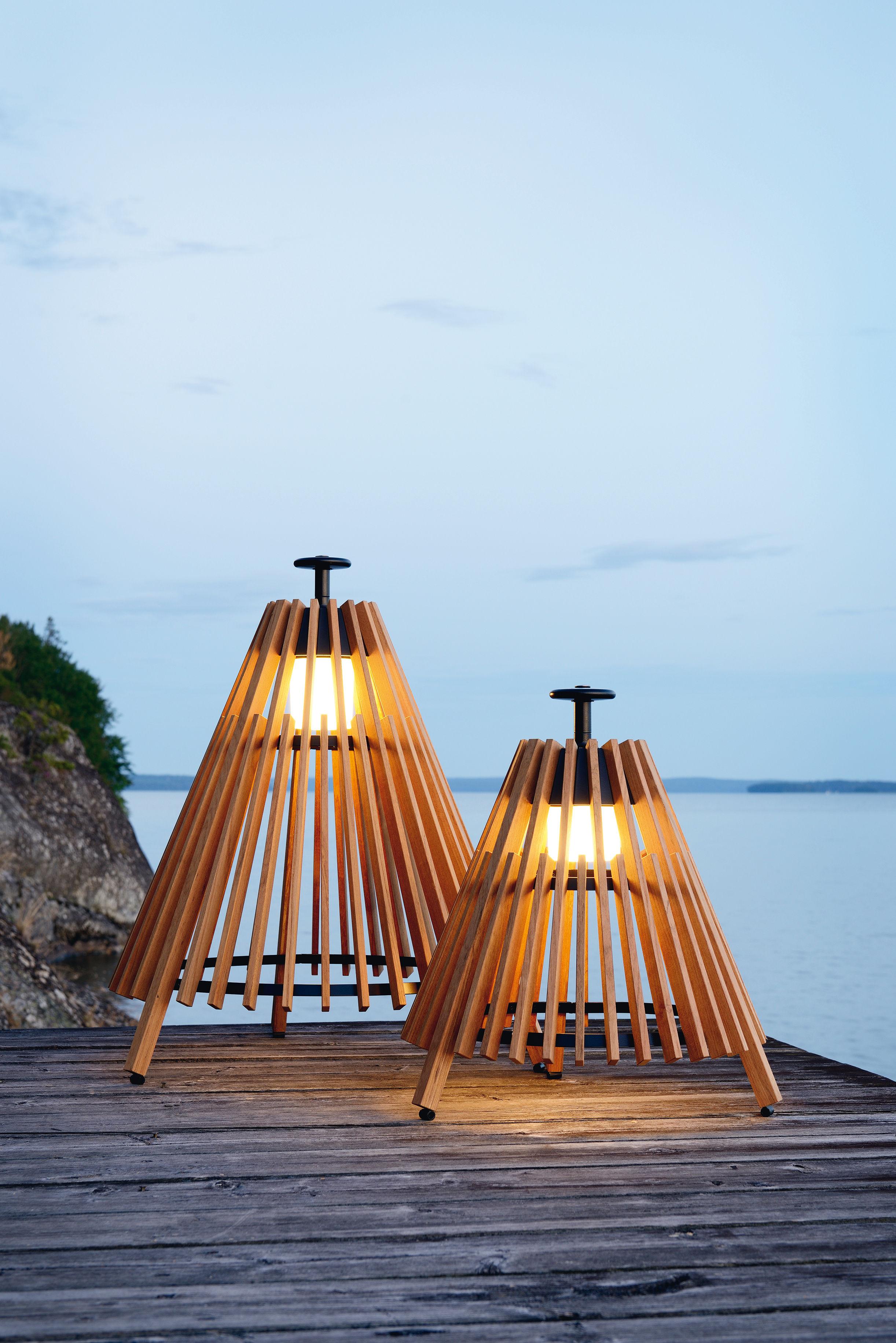 Scopri lampada da posa tipi l led h 95 cm legno teck for Tipi di led