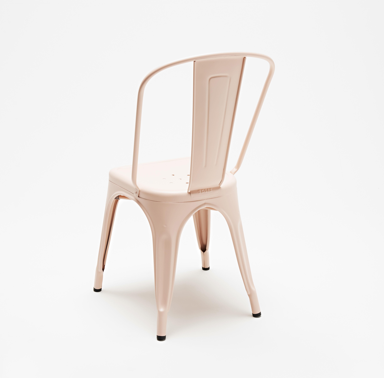 scopri sedia a colore opaco les couleurs le corbusier rosa chiaro di tolix made in. Black Bedroom Furniture Sets. Home Design Ideas