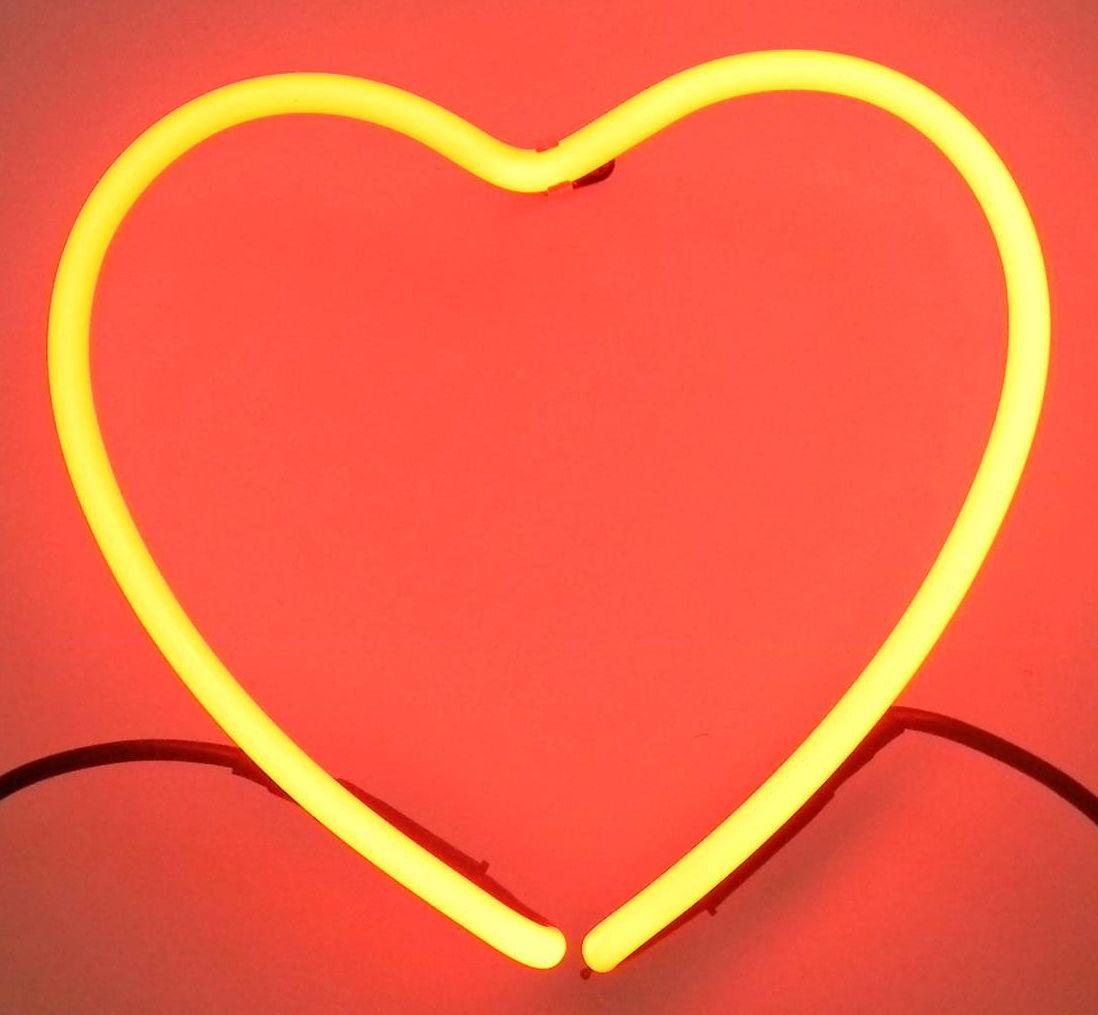 applique neon art coeur mod le exclusif en s rie limit e. Black Bedroom Furniture Sets. Home Design Ideas