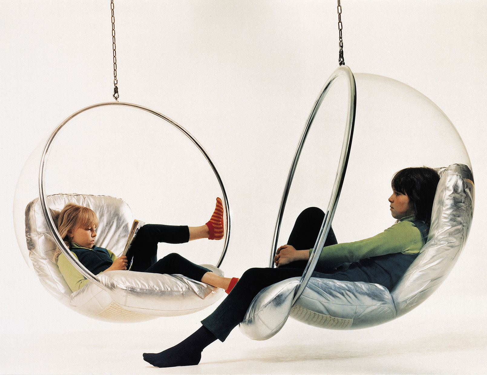 Swinging Chairs For Bedrooms Bubble Chair Hanging Armchair Hanging Armchair Clear Silver