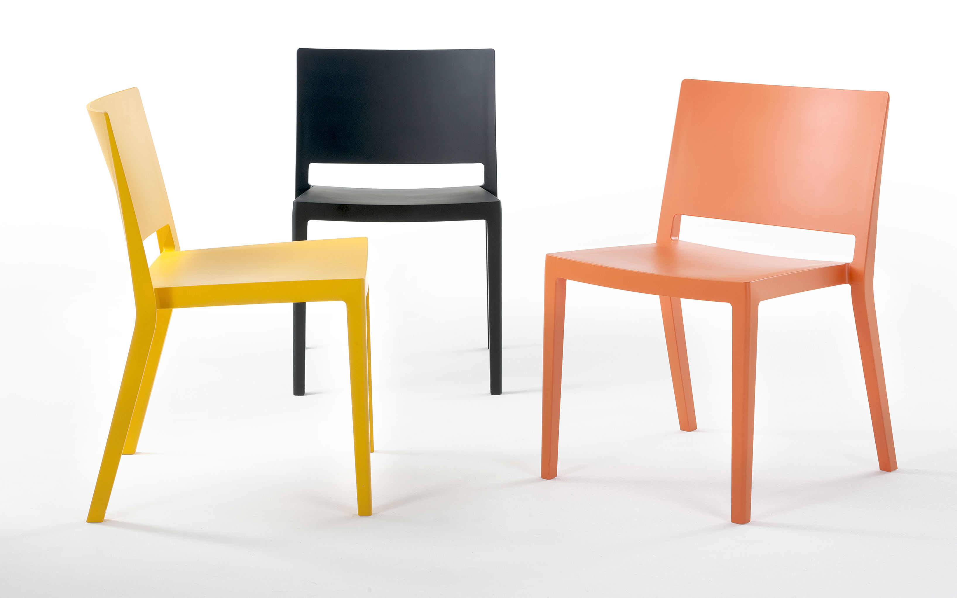 lizz stacking chair matt version matt orange by kartell. Black Bedroom Furniture Sets. Home Design Ideas