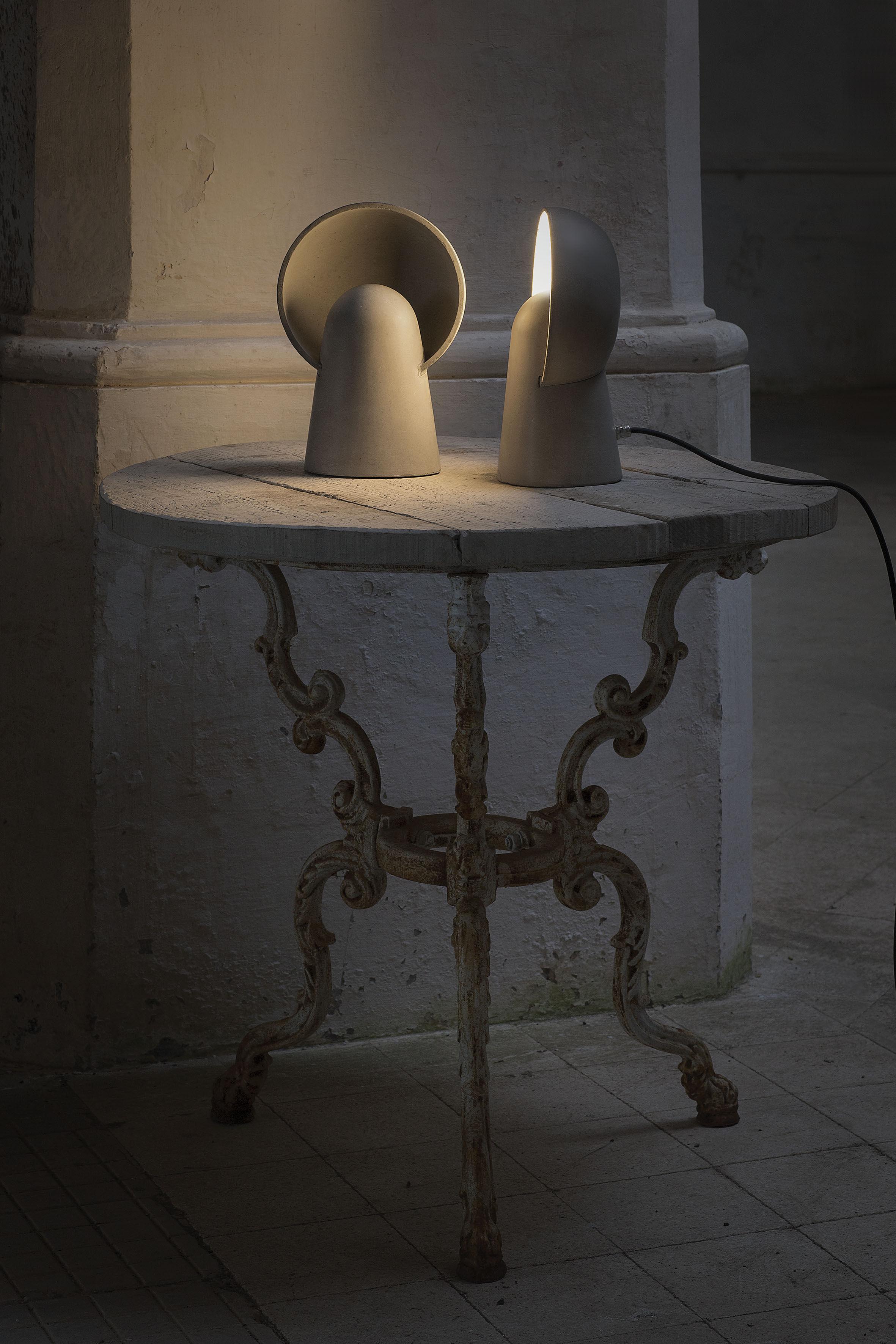 romeo led zement karman tischleuchte. Black Bedroom Furniture Sets. Home Design Ideas