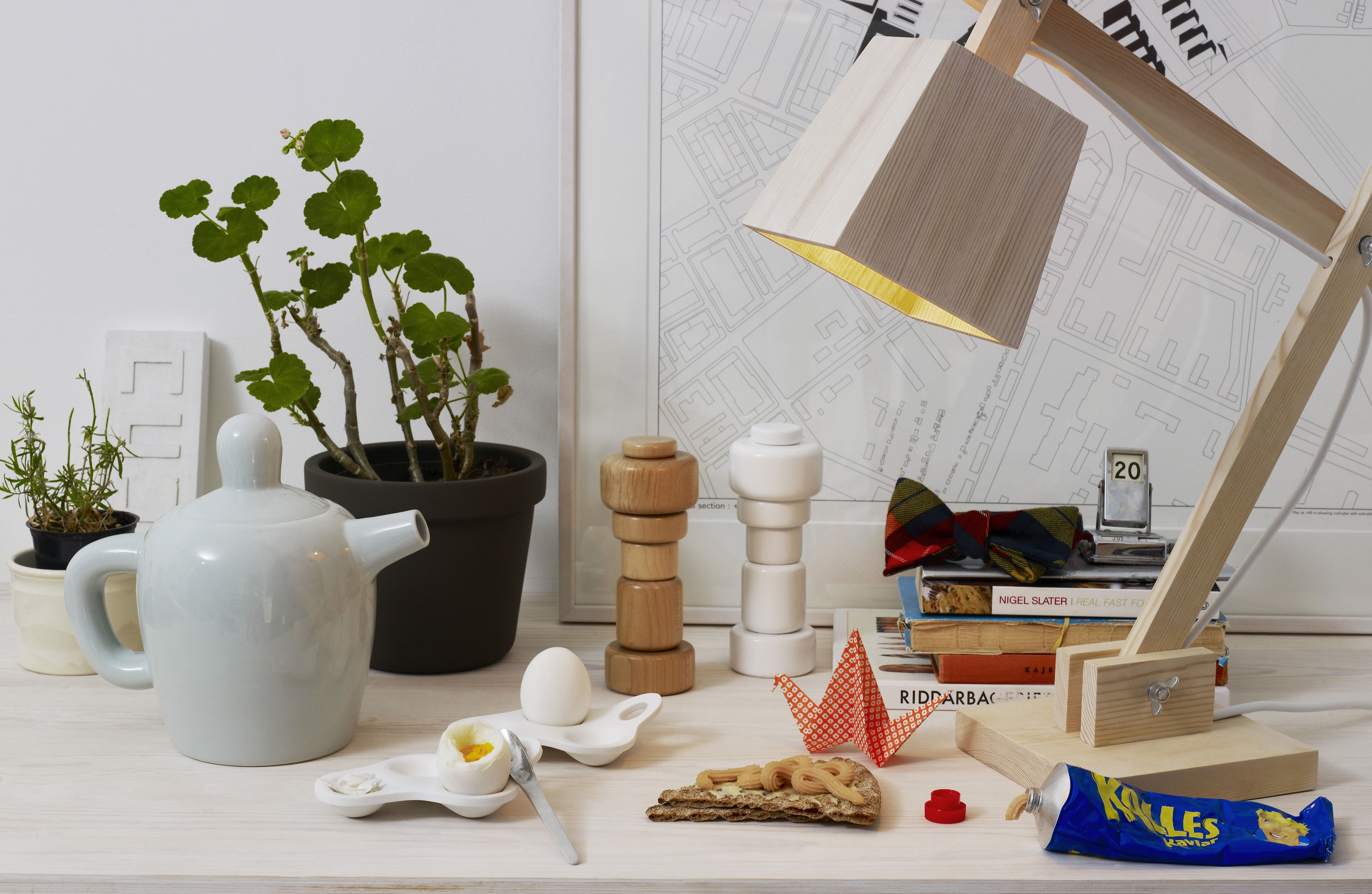 moulin pices plus bois naturel muuto. Black Bedroom Furniture Sets. Home Design Ideas