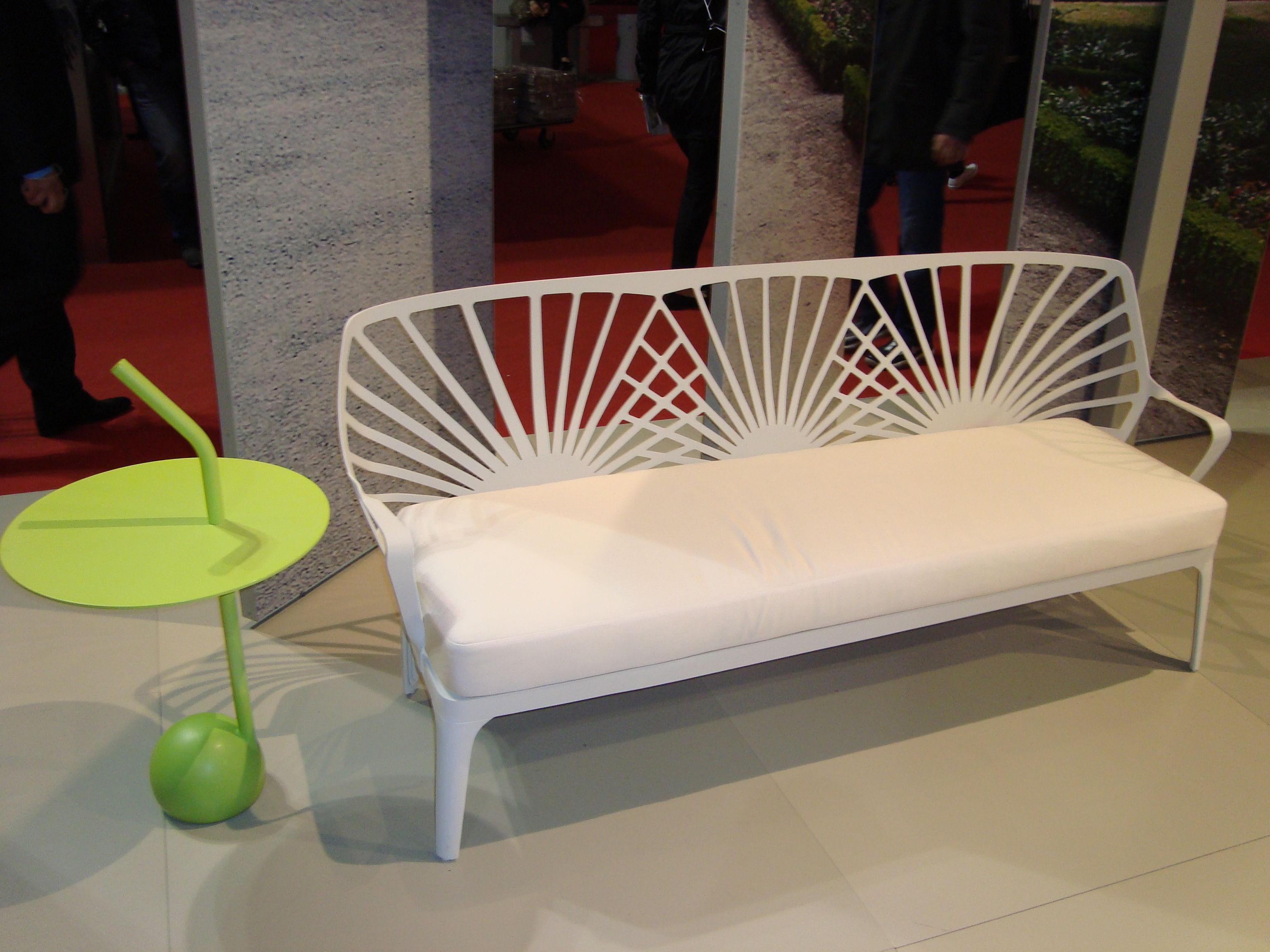 canap droit sunrise l 171 cm blanc driade made in design. Black Bedroom Furniture Sets. Home Design Ideas