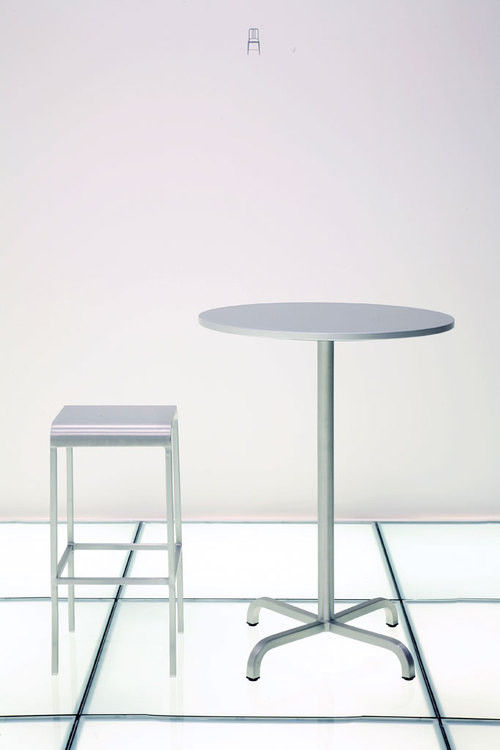 tabouret de bar 20 06 aluminium h 60 cm aluminium mat emeco. Black Bedroom Furniture Sets. Home Design Ideas