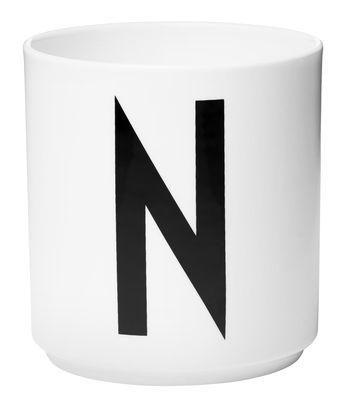 Mug Arne Jacobsen / Porcelaine - Lettre N - Design Letters blanc en céramique