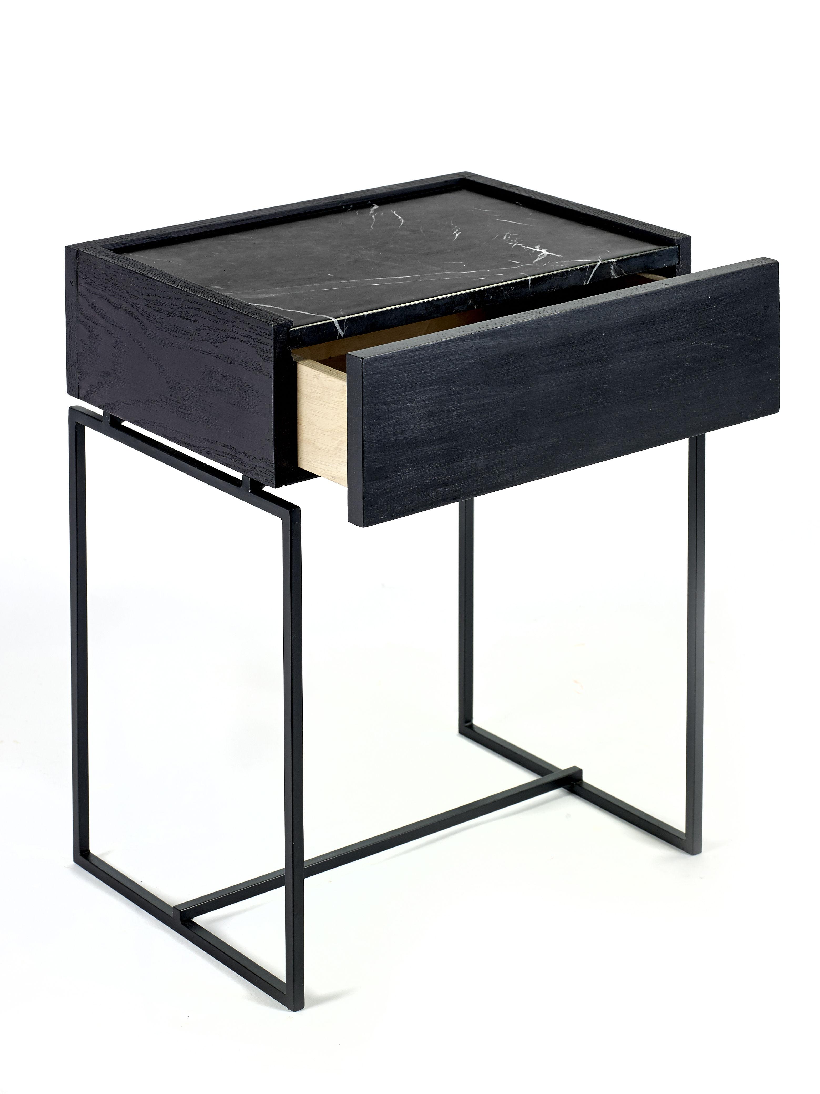 table d 39 appoint nero tiroir marbre bois marbre noir pied noir serax. Black Bedroom Furniture Sets. Home Design Ideas