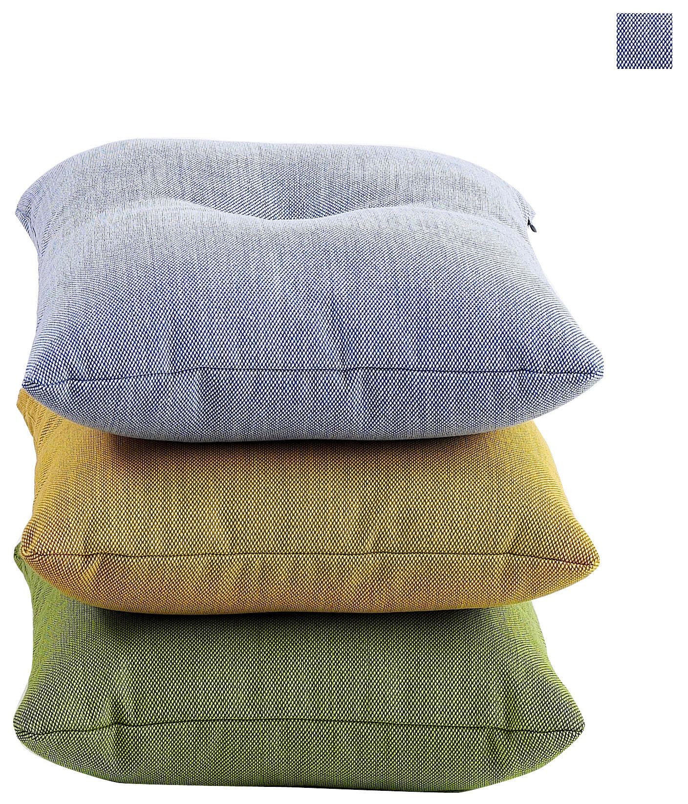 coussin dot steelcut trio 50 x 50 cm bleu clair vert d 39 eau gris clair hay. Black Bedroom Furniture Sets. Home Design Ideas