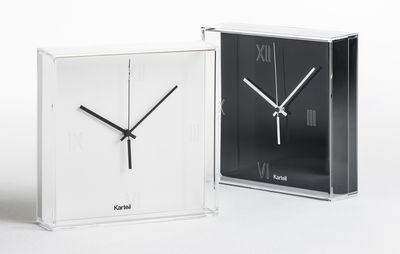 horloge murale tic tac poser ou suspendre noir aiguilles blanches kartell. Black Bedroom Furniture Sets. Home Design Ideas