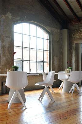 Chaise pivotante flow 4 pieds vn acier blanc pi tement for Chaise de salle a manger trackid sp 006
