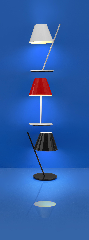 la petite h 37 cm artemide tischleuchte. Black Bedroom Furniture Sets. Home Design Ideas