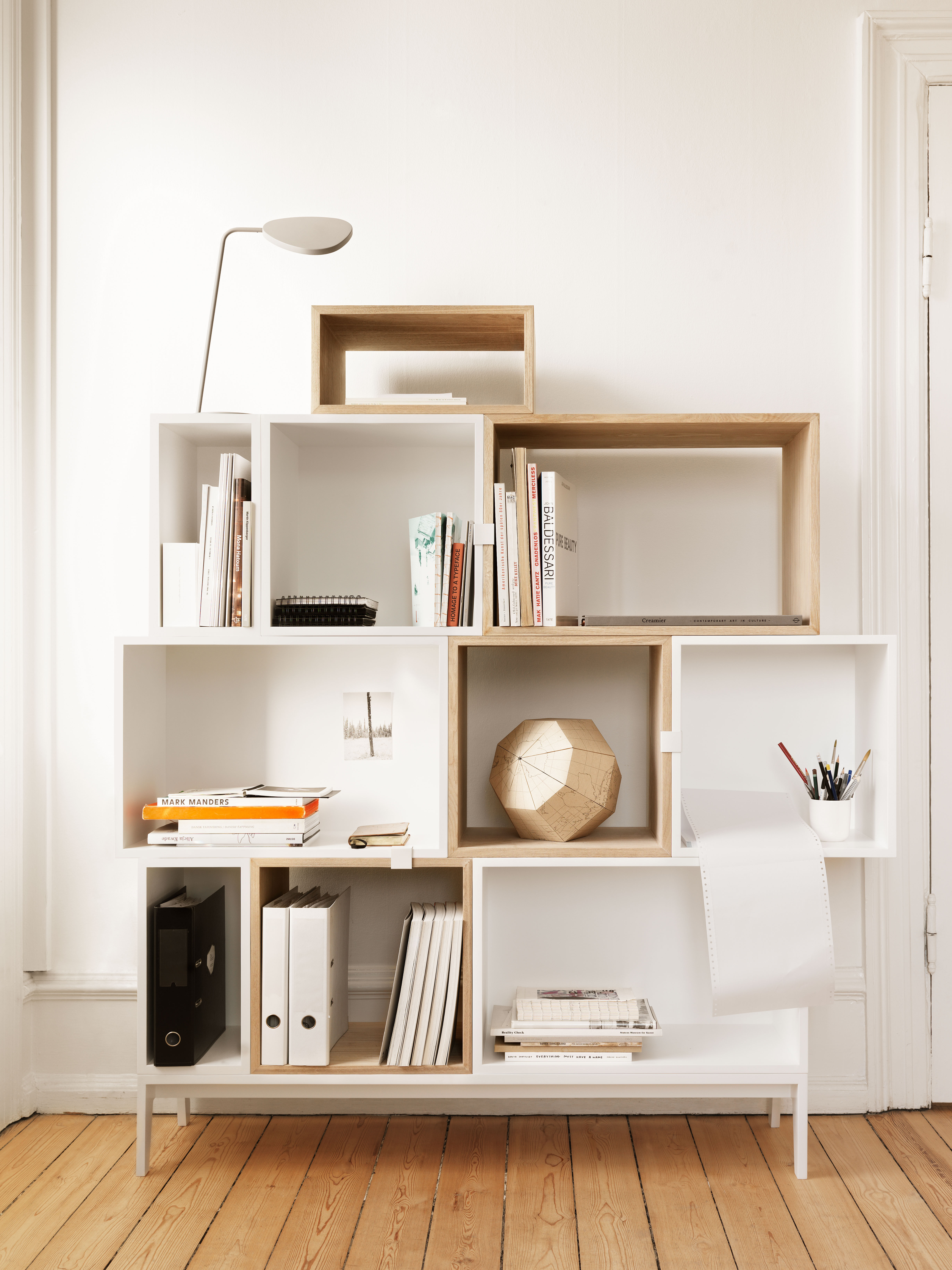 base podium pour tag res stacked fr ne muuto. Black Bedroom Furniture Sets. Home Design Ideas