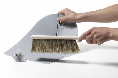 dustpan broom set mit handfeger und schaufel normann copenhagen handbesen. Black Bedroom Furniture Sets. Home Design Ideas