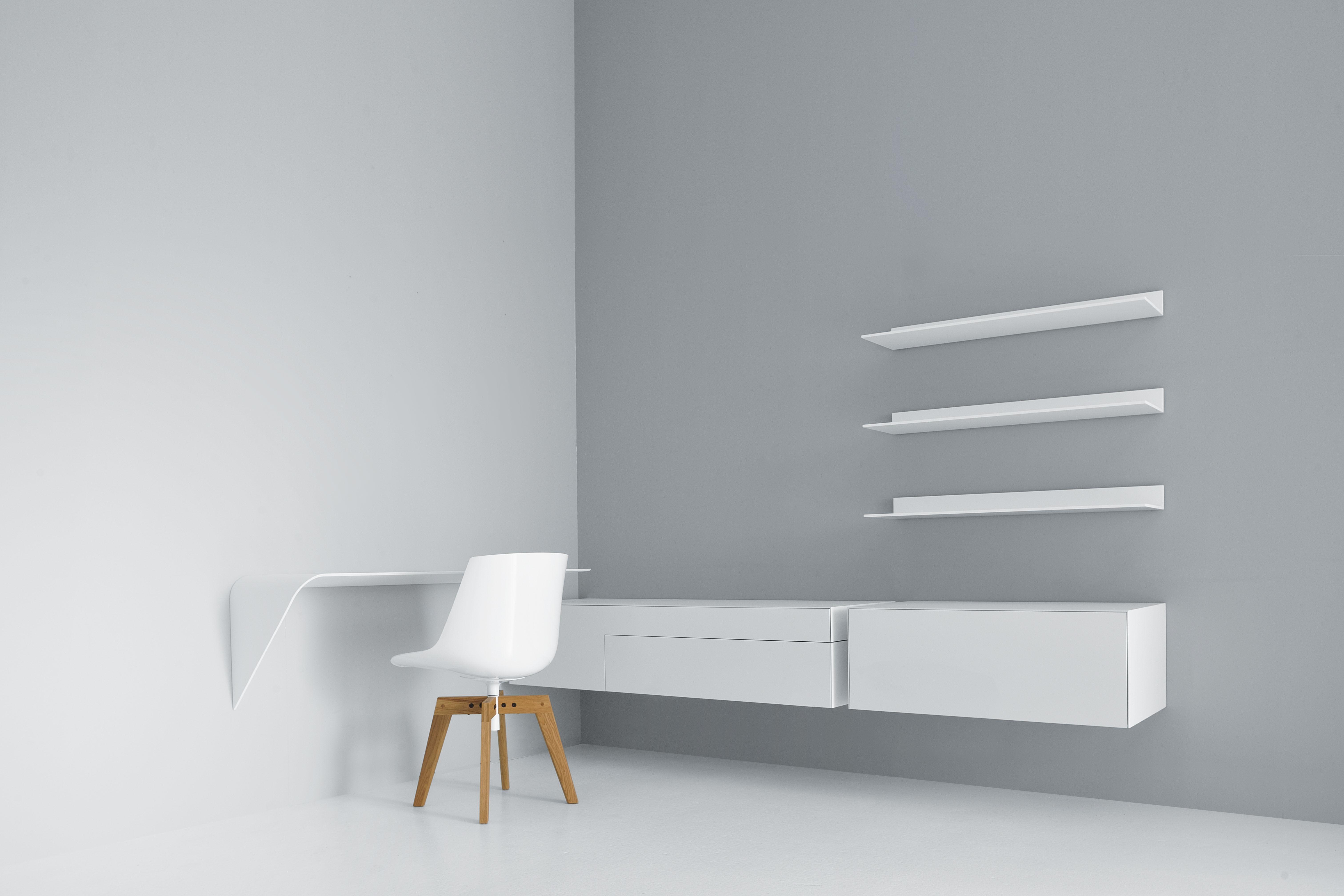etag re mamba light bureau suspendu angle gauche l 134 x h 44 cm orange mdf italia. Black Bedroom Furniture Sets. Home Design Ideas