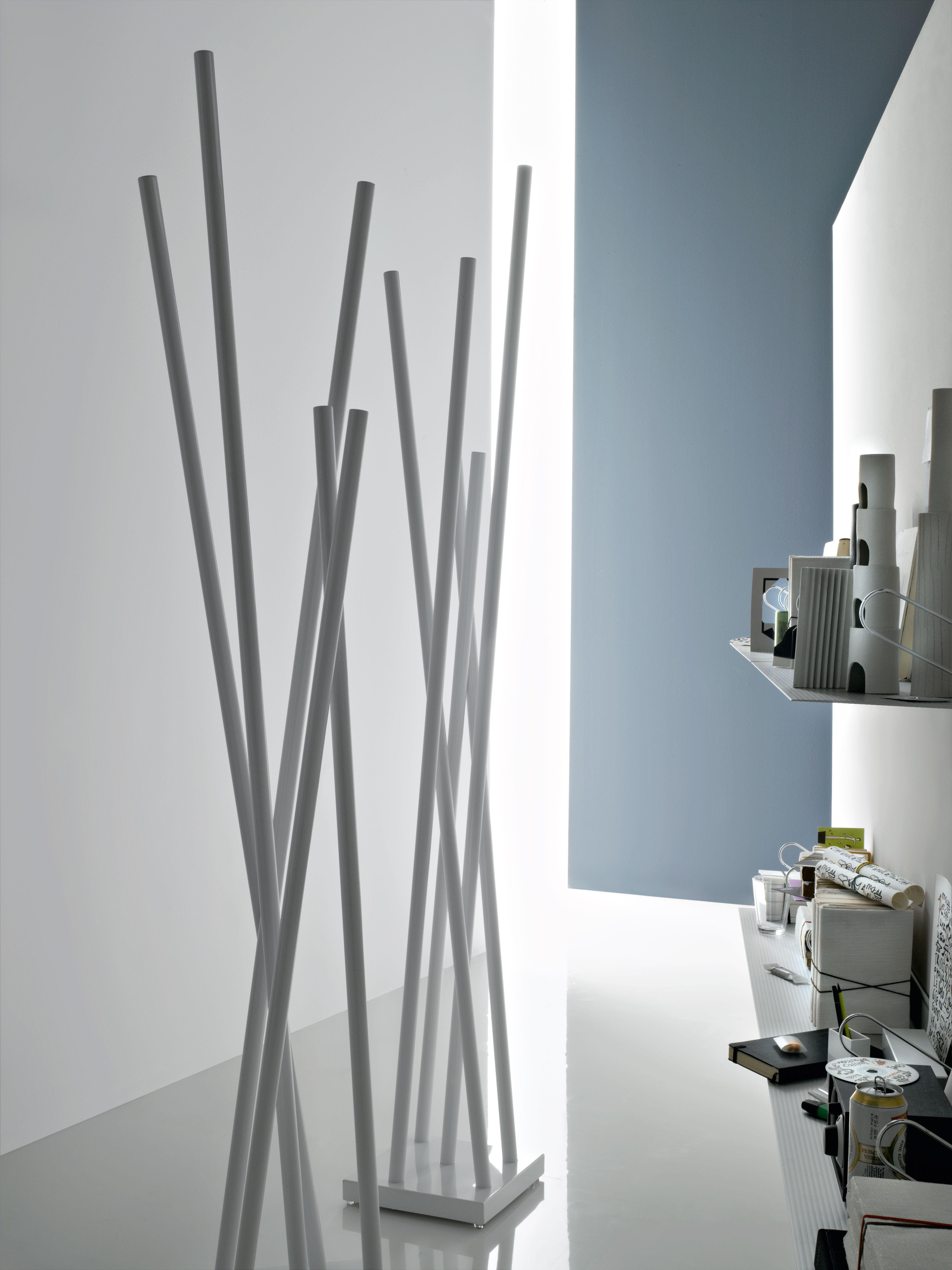Stand up appendiabiti acciaio satinato by robots made in for Appendiabiti design da terra