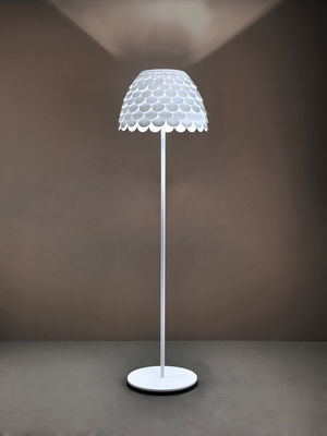 lampadaire carmen blanc fontana arte. Black Bedroom Furniture Sets. Home Design Ideas