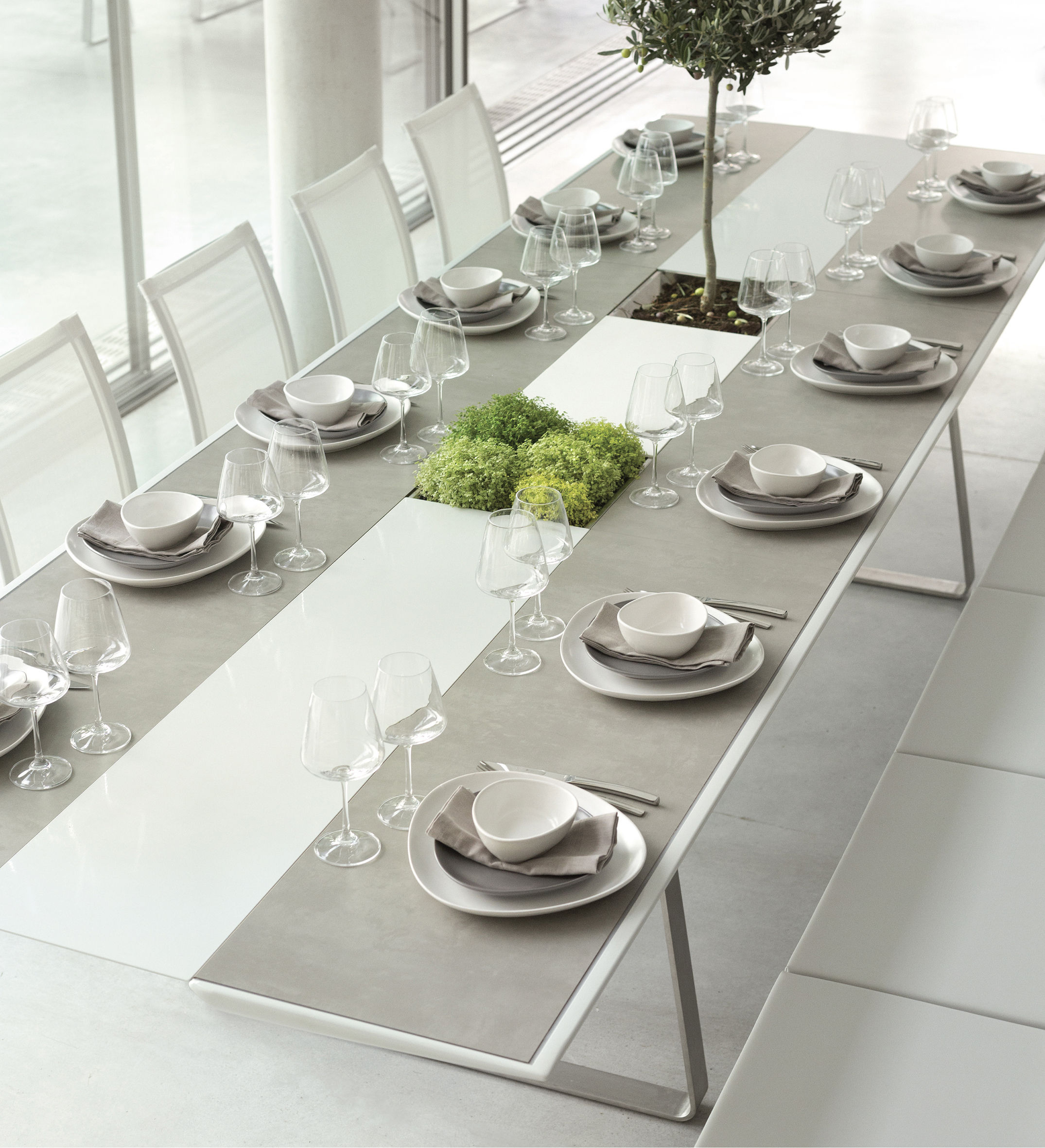 table extrados hpl b ton l 242 cm plateau b ton gris. Black Bedroom Furniture Sets. Home Design Ideas