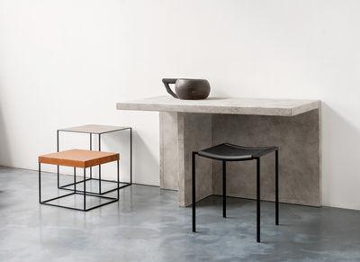 tabouret empilable h 48 cm noir zeus. Black Bedroom Furniture Sets. Home Design Ideas